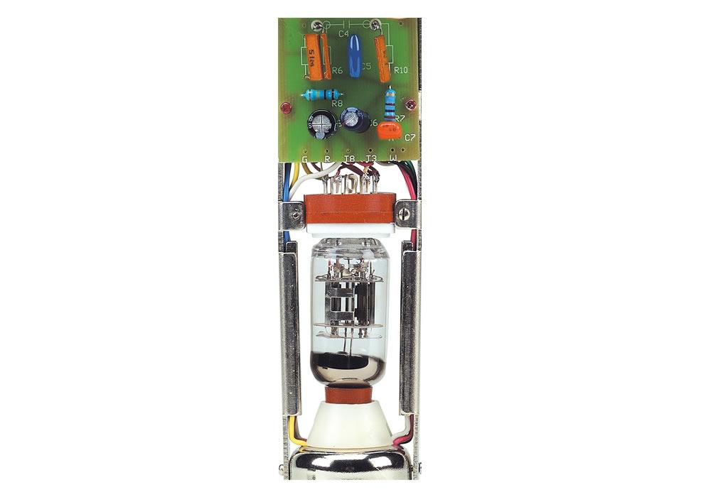 DM 2500 C Preamplificador